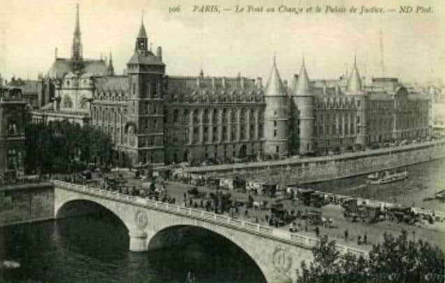 Pont au change, Paris.
