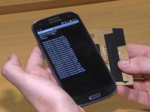 Un smartphone reconverti en sniffer de carte.